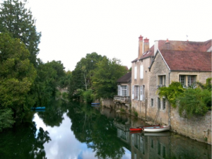NOYERS-RIVER-HOUSE