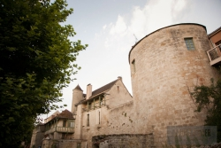 NOYERS-TOWER_BY_LAURA-FISHER.jpg